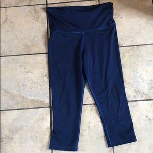 Like new women's Nike crop leggings!